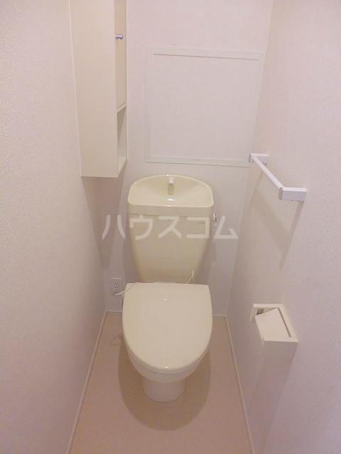 グランシュール Ⅲ 201号室のトイレ