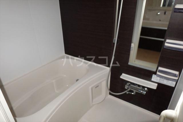 イースト アヴェニュー 06010号室の風呂