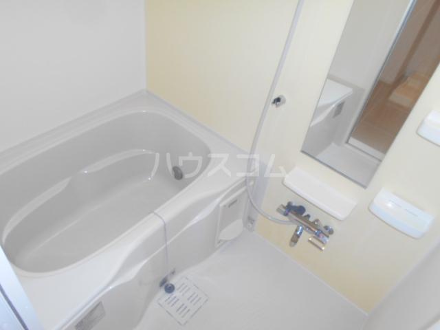 グランペⅡ 02050号室の風呂