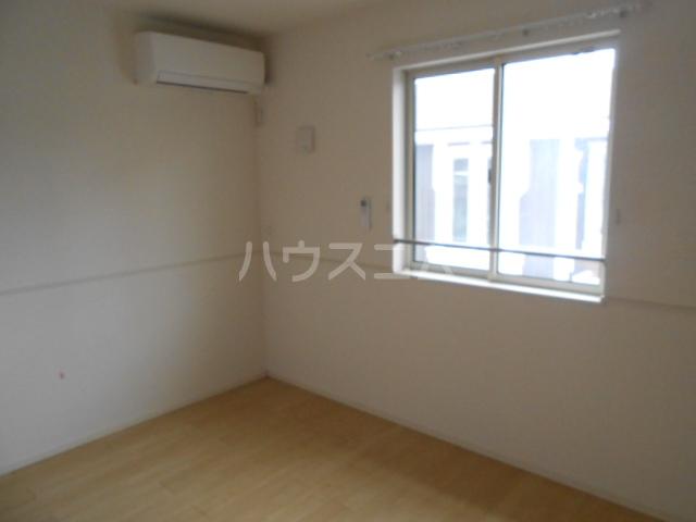 CAROLINE Ⅲ 201号室の居室