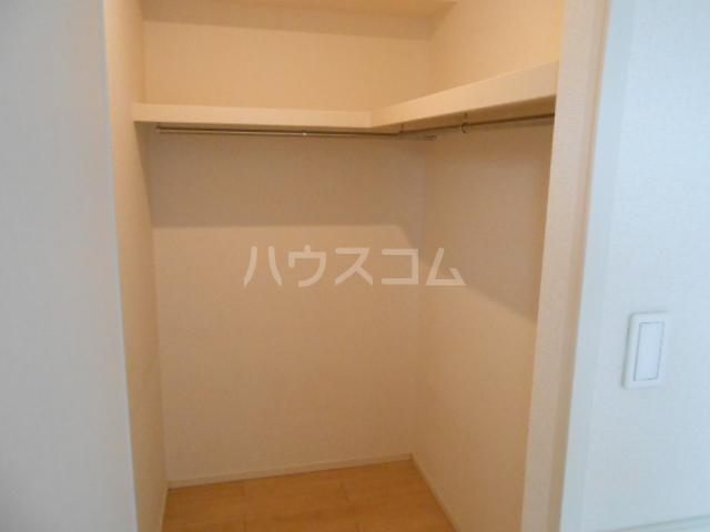 CAROLINE Ⅲ 201号室の収納