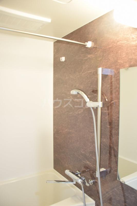 メゾンドZen 402号室の風呂