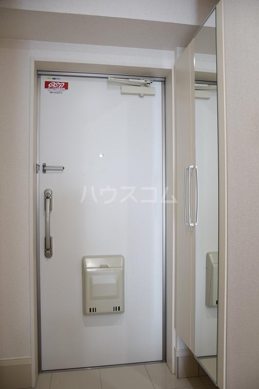 メゾンドZen 402号室の玄関