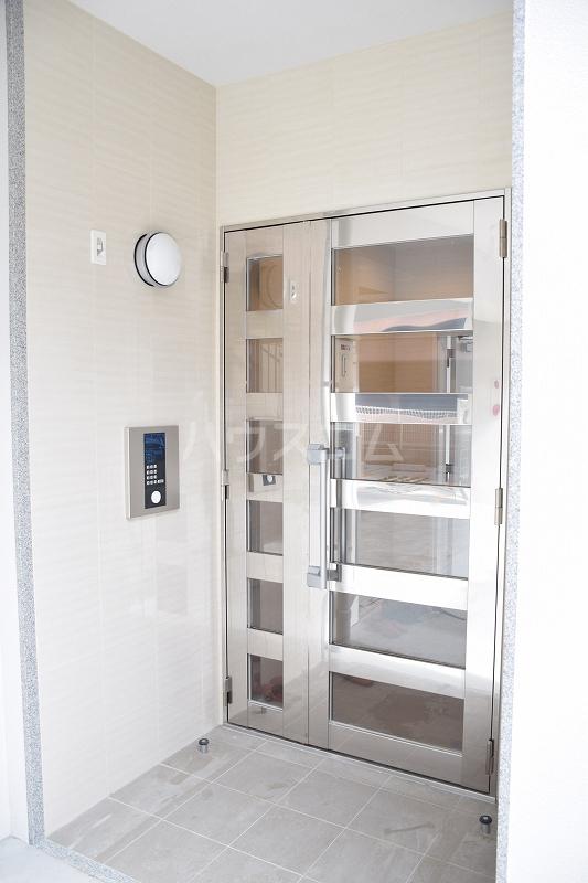 メゾンドZen 402号室のエントランス
