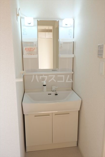 フレアコート 03050号室の洗面所