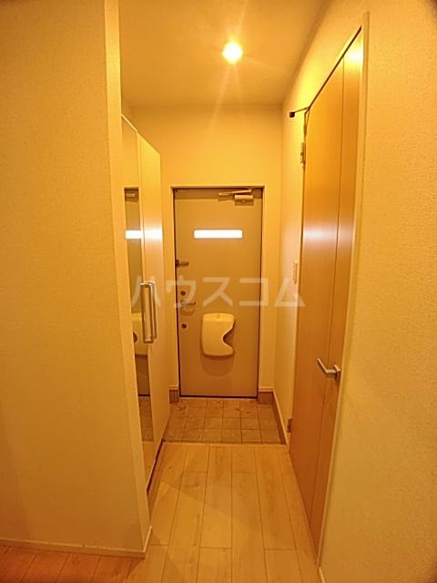 メゾンあおい 101号室の玄関