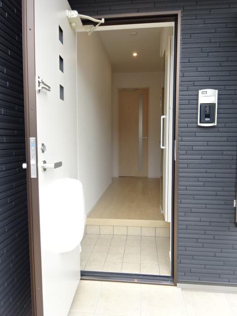 プレ ウィステリアⅡ 101号室の玄関