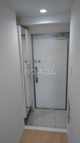 フレンドリーテラスN 207号室の玄関