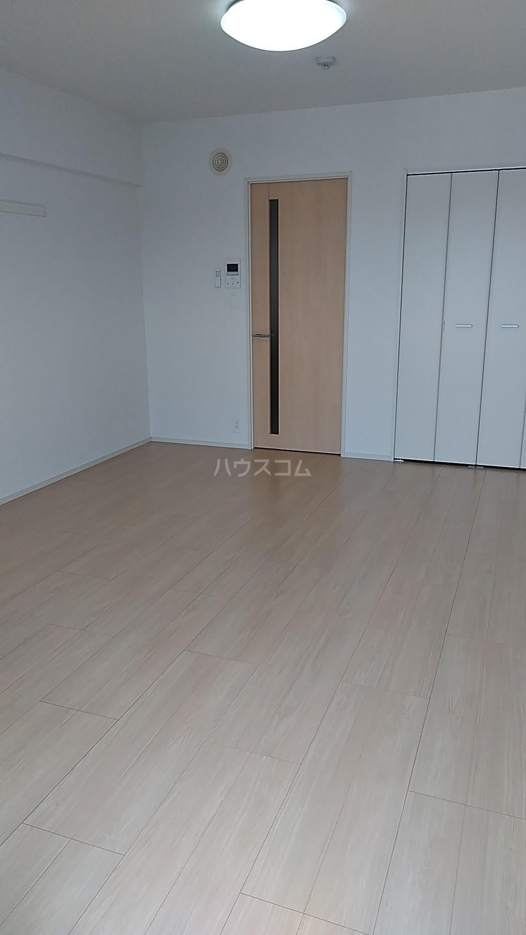 オーシャン レジデンス 202号室のベッドルーム