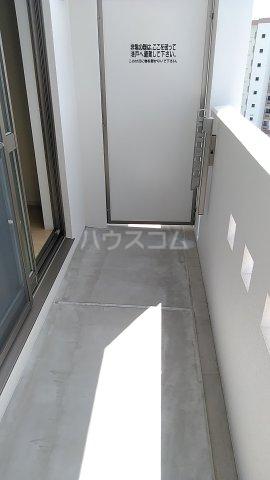 オーシャン レジデンス 202号室のバルコニー