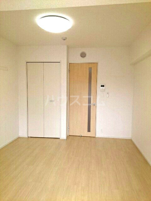 キュービックスター 504号室のリビング