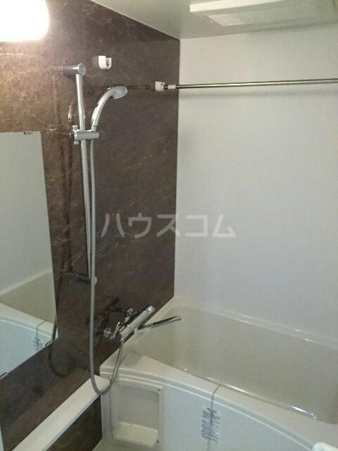キュービックスター 504号室の風呂