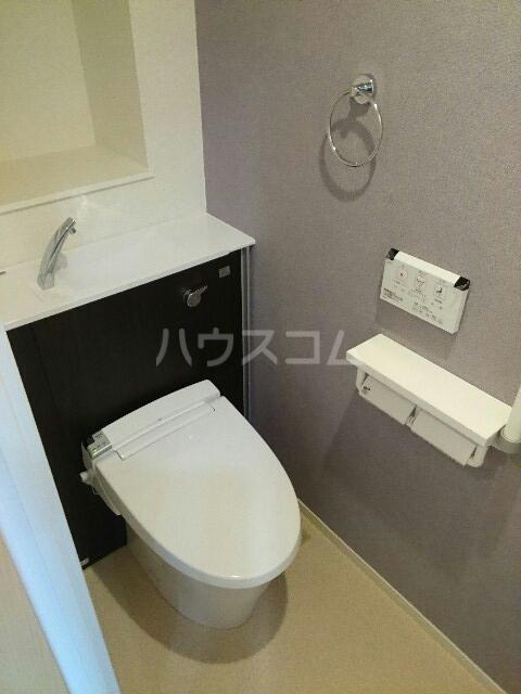 キュービックスター 504号室のトイレ