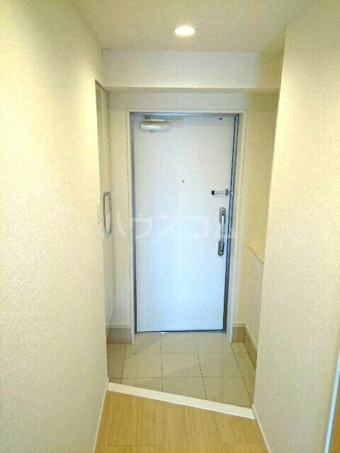 キュービックスター 504号室の玄関