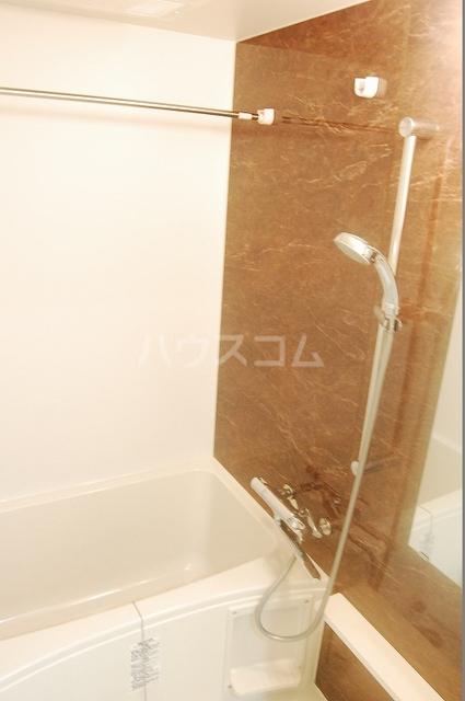 テゾーロ ミオ 105号室の風呂