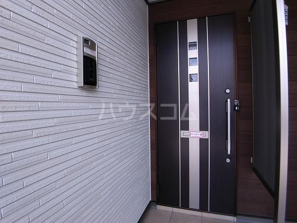 ソレッジャートⅡ 101号室の玄関