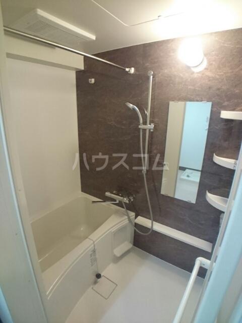 バーバリー・ヒル 103号室の風呂