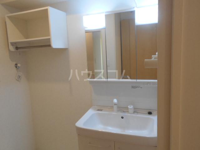 サンフラワー 102号室の洗面所