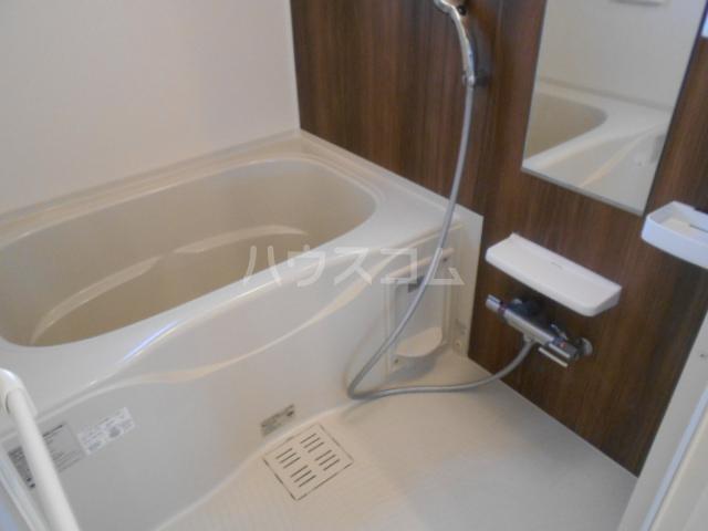 サンフラワー 102号室の風呂