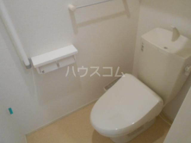 サンフラワー 102号室のトイレ