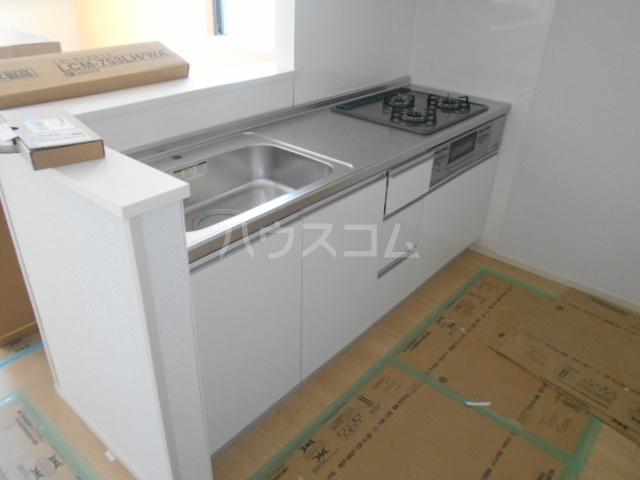 リオンドール駒形B 01010号室のキッチン