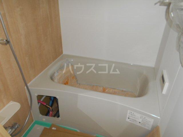リオンドール駒形B 01030号室の風呂