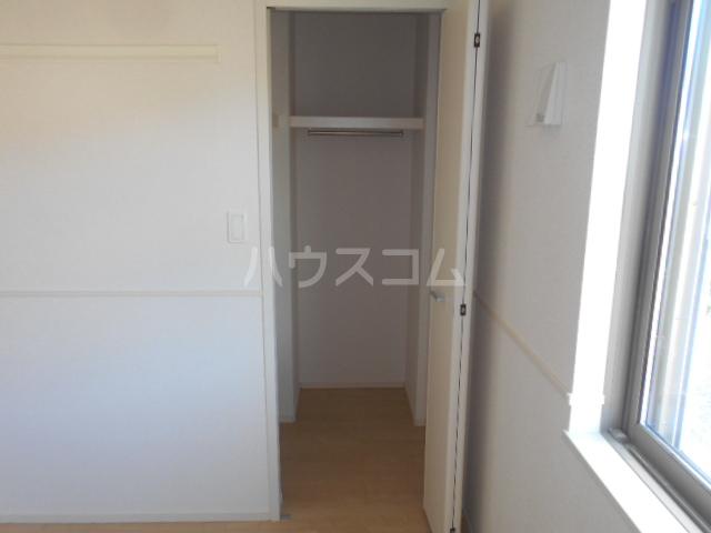 リオンドール駒形B 01030号室の収納