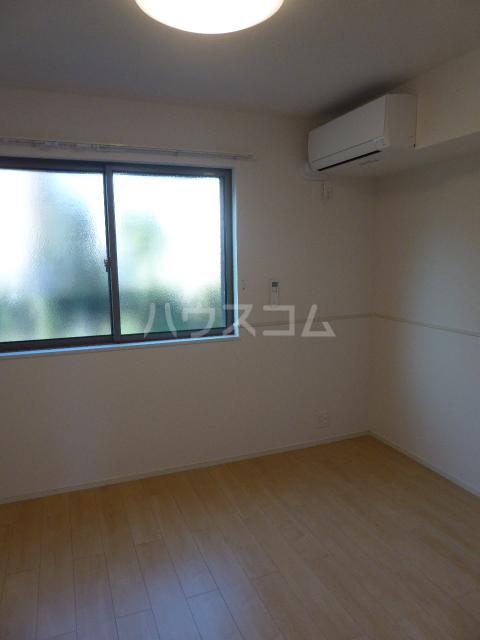 カーサ ブローテF 01020号室の居室