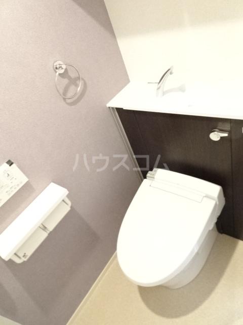 ライトヒルズ 元町 404号室のトイレ