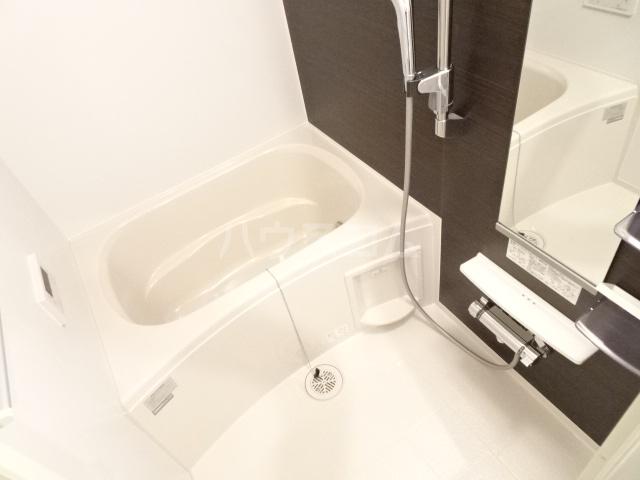 ライトヒルズ 元町 404号室の風呂