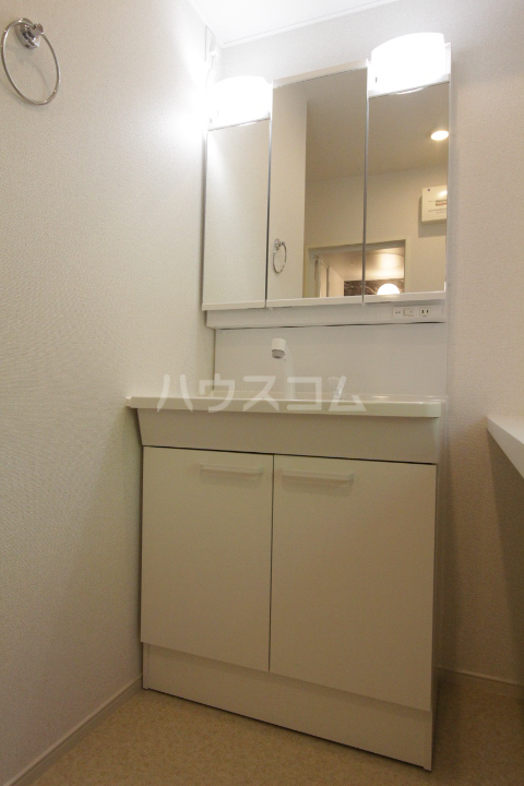 アンソレイユ市木 203号室の洗面所