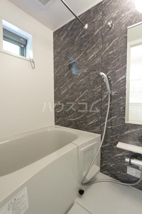 アンソレイユ市木 203号室の風呂