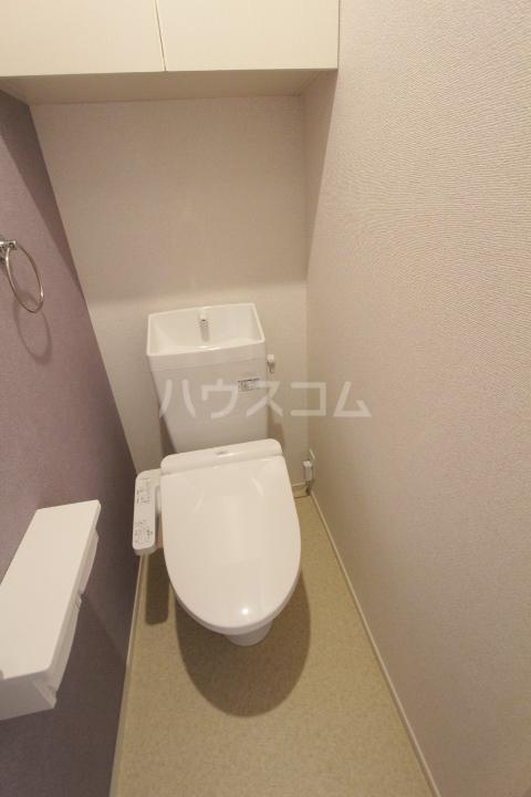 アンソレイユ市木 203号室のトイレ