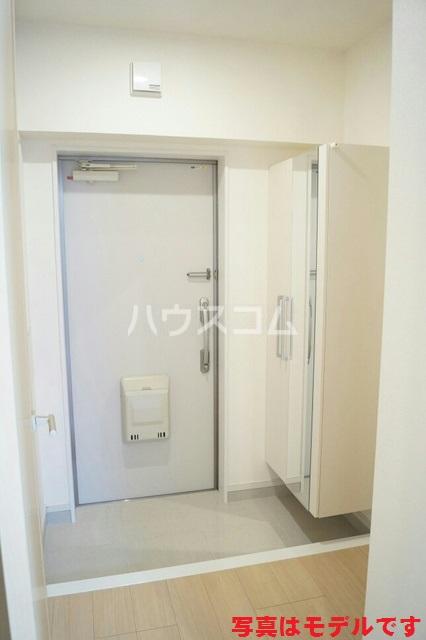 ティダ・エイソ 404号室の玄関
