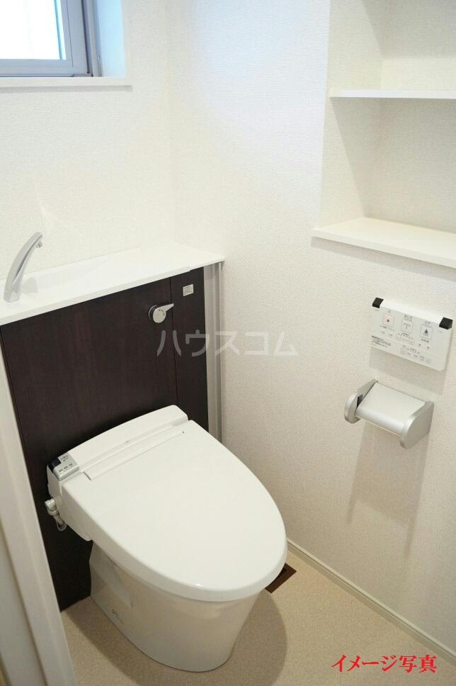 ティダ・エイソ 601号室のトイレ