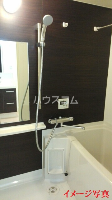 ティダ・エイソ 601号室の風呂