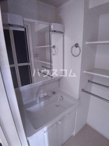 メゾン・ボヌール 107号室の洗面所