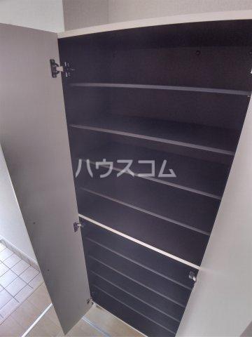 メゾン・ボヌール 107号室の玄関