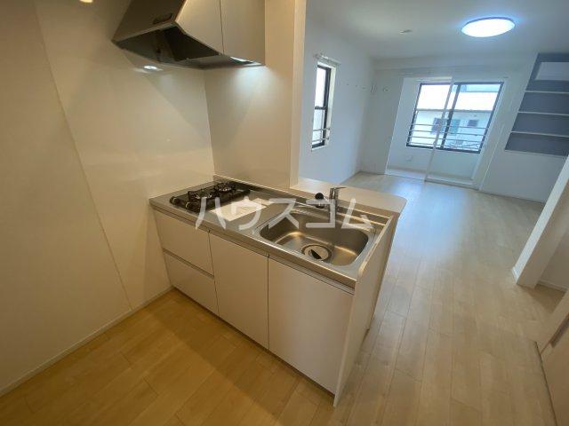 メゾン・ボヌール 201号室のキッチン