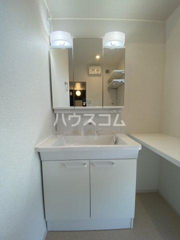 メゾン・ボヌール 201号室の洗面所