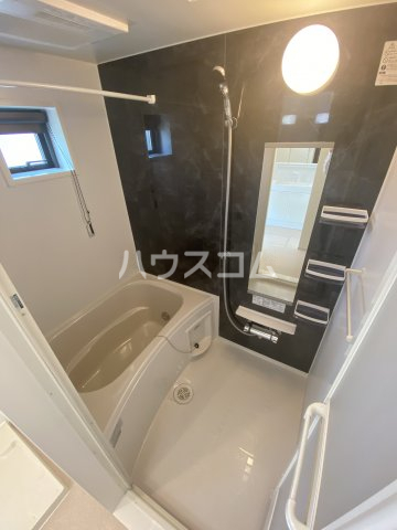 メゾン・ボヌール 205号室の風呂