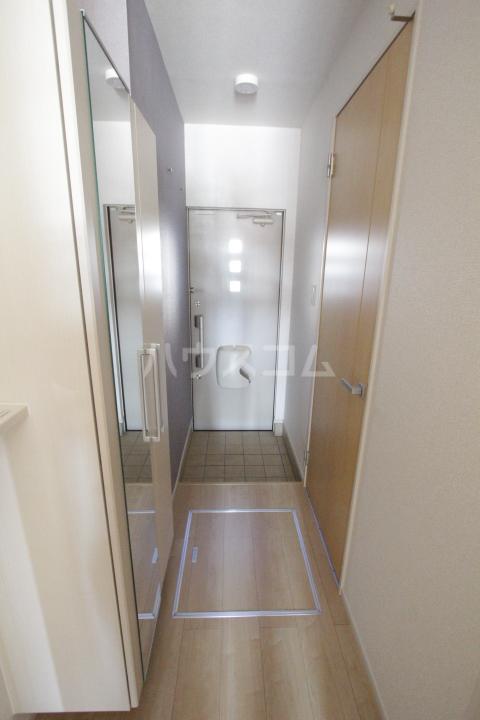 ベルアンジュⅡ 101号室の玄関