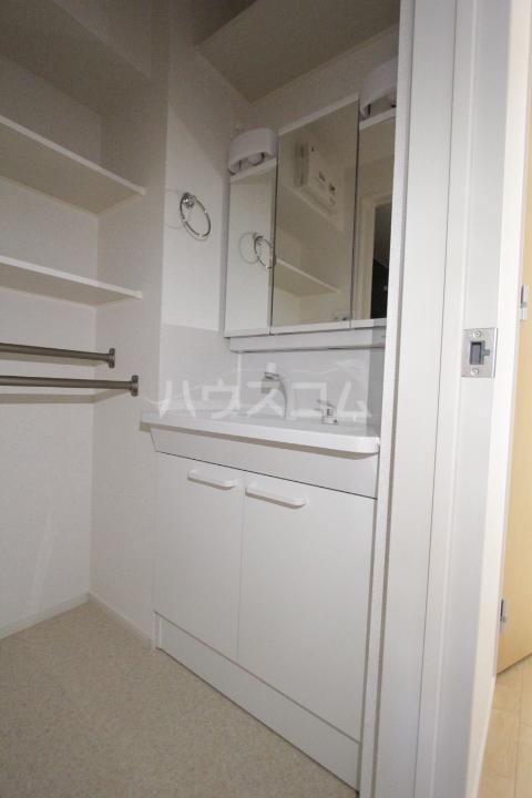 ベルアンジュⅡ 101号室の洗面所