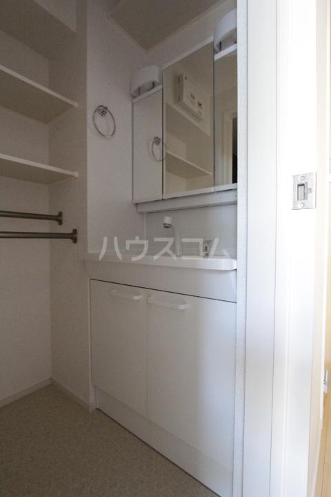ベルアンジュⅡ 102号室の洗面所