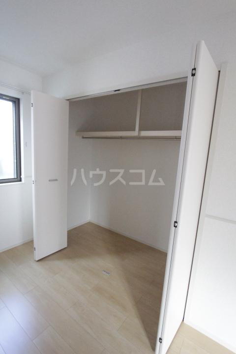 プリーアディーズ 102号室の収納