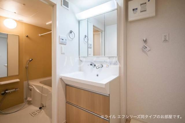 ミ・カーサⅡ 303号室の洗面所