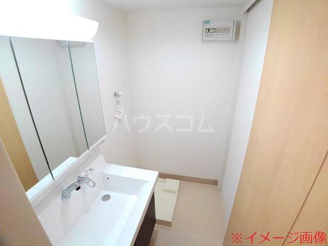 ソレイユメゾン 202号室の洗面所