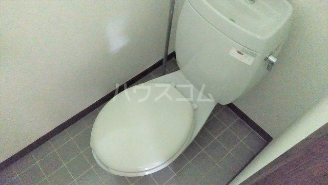 サンフォレスタ鵠沼 102号室のトイレ