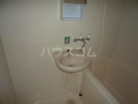 アレストフクダ 102号室の洗面所