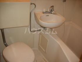 メゾン3番館 105号室の洗面所